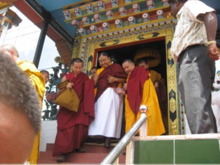 Sakya Gongma Rinpoche Visits Namdroling